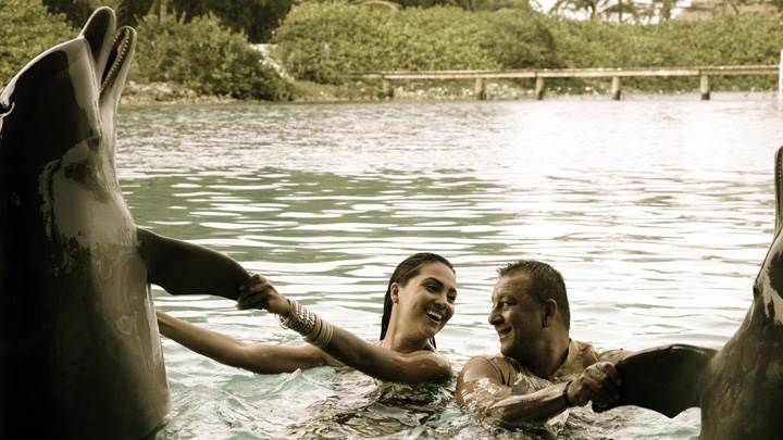 Lara Dutta And Sanjay Dutt In Swimming Pool